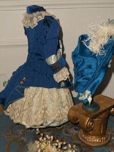 Superb French Blue silk Costume with matching Bonnet (item #1315979, detailed views)