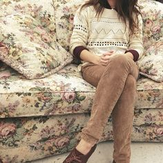 floral couch - I don't completely understand how someone could think this isn't precious.