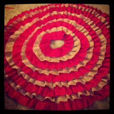 DIY Christmas Burlap Tree Skirt