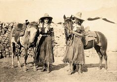 Cowgirl twins Etheyle and Juanita Parry performed with Buffalo Bill's Wild West…