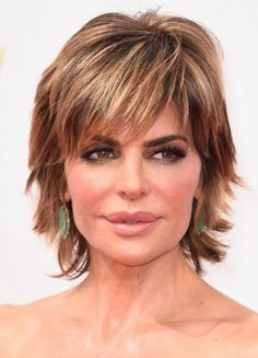 35 Pretty Hairstyles for Women Over Shake Up Your Image & Come Out Looking Fresher Lisa Rinna Short Haircut - 2015 Hairstyles for Women Over Short Choppy Haircuts, Short Hairstyles For Thick Hair, Haircuts For Fine Hair, Short Hair Styles Easy, Short Hair Updo, Short Hairstyles For Women, Medium Hair Styles, Layered Hairstyles, Long Hair