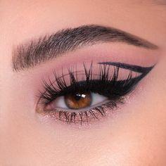 Makeup Eye Looks, Glam Makeup Look, Eye Makeup Art, Cute Makeup, Eyeshadow Makeup, Eyeshadows, Creative Makeup Looks, Unique Makeup, Colorful Eye Makeup