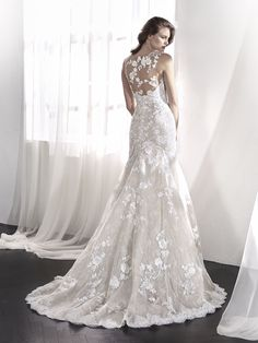 St. Patrick 2018 Bridal Collection LEVIA sleeveless