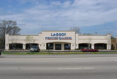 Sublease opportunity available in Lombard, IL with La-Z-Boy!
