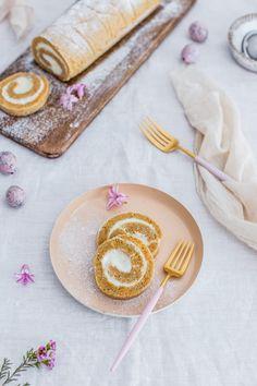 Mrkvová roláda s tvarohovým krémom – Lapetit Food Inspiration, Food And Drink, Easter, Sweets, Cakes, Tableware, Recipes, Foods, Beautiful