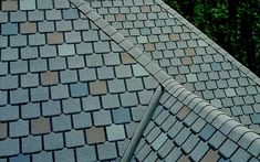 Roof shingles are a roof covering consisting of individual overlapping elements. Here are All About Roof Shingles: Etymology, Types And How to Install Roof Design, Exterior Design, Architectural Shingles Roof, Asphalt Roof Shingles, Roofing Shingles, Mansard Roof, Gambrel Roof, Roof Covering, Hip Roof