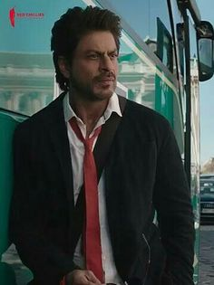 Shah Rukh Khan Movies, Shahrukh Khan, Aishwarya Rai Makeup, Chak De India, Srk Movies, Sr K, King Baby, Joe Manganiello, King Of Hearts
