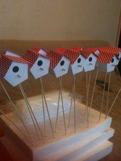 Des marque-places en forme de nichoir à oiseaux (DIY)
