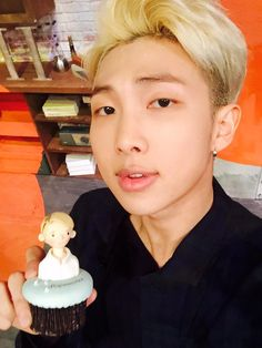 Rap Monster look so sexy in this photo Kim Namjoon, Seokjin, Mixtape, Rapper, Bts Tweet, Twitter Bts, Bts Rap Monster, Kpop, Bulletproof Boy Scouts