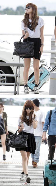 Airport fashion     #koreancelebrity #cutelook