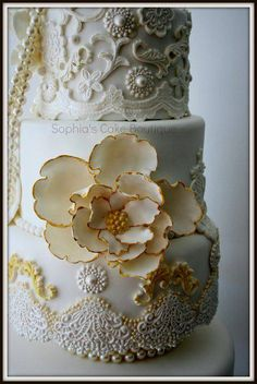 Ivory & Gold Baroque cake - I was given carte blanche on the design of this four tier cake with only the colour specified, Ivory/cream with a touch of gold. This was delivered with 168 cupcakes. Beautiful Wedding Cakes, Gorgeous Cakes, Pretty Cakes, Amazing Cakes, Cupcakes, Cupcake Cakes, Fondant Cakes, Mini Cakes, Sophia Cake