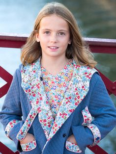 Patron Madame Maman manteau Louise du 2 au 14 ans - patron vendu seul ou en kit sur www.madamemaman.fr Bell Sleeves, Bell Sleeve Top, Couture, Madame, Kit, Tops, Women, Fashion, 14 Year Old