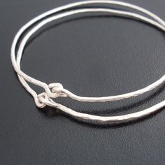 Ancient Times  Hammered Silver Bangle Bracelets door FrostedWillow, $24.00