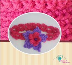 Modelo Nº 49: Diadema  onditas con flor azucena doble, tejida a gancho