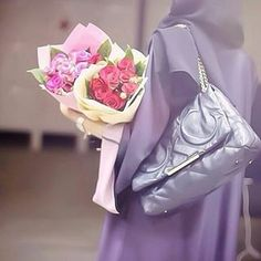 Image about fashion in ✨🌸The beauty of Islam✨🌸 by ياسمين♡ Arab Girls, Muslim Girls, Muslim Women, Stylish Dpz, Stylish Girl, Arab Swag, Dps For Girls, Hijab Dpz, Hijab Cartoon