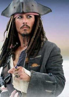 Johnny Depp as Captain Jack Sparrow in all the Pirates of the Carribean movies Captain Jack Sparrow, Jack Sparrow Rings, Jake Sparrow, Hot Actors, Actors & Actresses, Johnny Depp Characters, Tori Tori, Pirate Movies, Johnny Depp Pictures