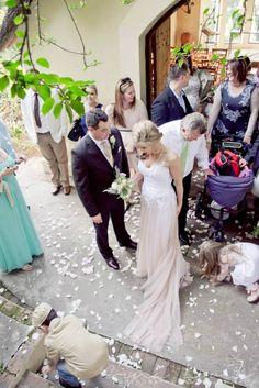 Girls Dresses, Flower Girl Dresses, Lace Wedding, Wedding Dresses, Hunters, Country, Flowers, House, Fashion