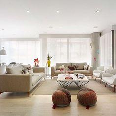A dupla: sofá Fargo e poltrona Fusion se encontram com perfeição nesta sala arejada e aconchegante. #revistasaxxis #repost #boconcept #fargosofa #arquitetura #decor #sofa