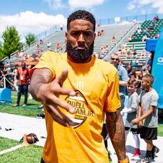 Black Football Players, Nfl Football, Odell Beckham Jr Wallpapers, Browns Fans, Black Men Hairstyles, Cleveland Browns, New Man, Jackson, Hair Cuts