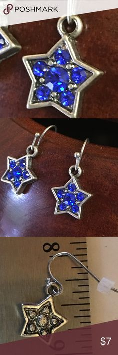 Cute star blue silver color earrings -holiday🎄❄️ Adorable earrings. Brand NEW. Perfect for the holidays. 🎄❄️Measure approx.  .75 inches long.  🐿🐿Bundle and save-💲.  💵....... 📎📎📎📎let me bundle for you& I'll give an xtra dollar off!! (Plus 15%)🐿🐿📎📎📎📎.   Bought as gifts for my staff, then got laid off!! Jewelry Earrings
