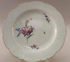 Assiette en porcelaine de Chantilly XVIIIe siècle