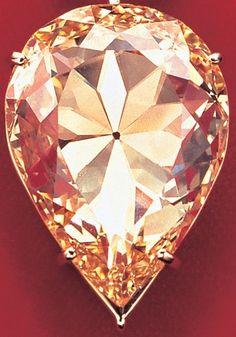 The Moon Of Baroda (Yellow Diamond)