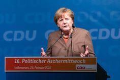 Fotograf Kassel | Angela Merkel | CDU Volkmarsen Politischer Aschermittwoch | Karsten Socher Fotografie http://blog.ks-fotografie.net/pressefotografie/angela-merkel-volker-bouffier-kwhe16-volkmarsen/