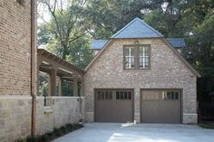 front view of detached garage/outdoor kitchen/poolhouse/guest quarters :: view 1 of 3