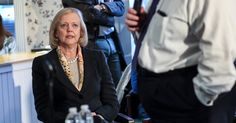 Meg Whitman Likens Donald Trump to Fascists, Shaking G.O.P.'s Brief Truce - The New York Times