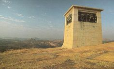 Cecil Rhodes raised this monument on top of World's view in the Matobo Hills in honour of Allan Wilson and the men who fell to the Ndebele at Shangani in John Rhodes, World View, Great British, Zimbabwe, Its A Wonderful Life, Commonwealth, Ancestry, Statues, Followers