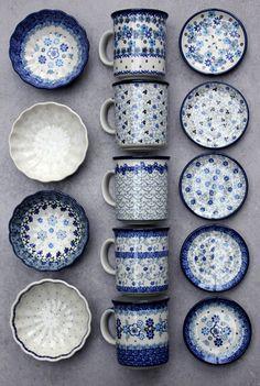 Handmade Polish Pottery from ELIMAshop.cz . Winter collection . Pottery / Stoneware from Boleslawiec . Bunclau . mug . bowl . plate Blue Pottery, Ceramic Pottery, White Dishes, Blue And White China, Polish Pottery, Pottery Painting, White Decor, Stoneware, Earthenware