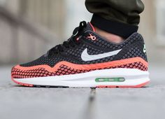 Nike Air Max Lunar1 Breeze: Black/Hot Lava