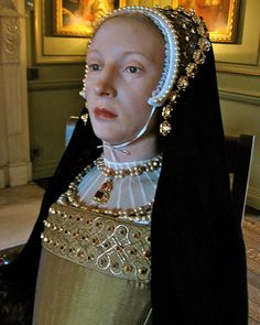 Katherine Howard, Fifth Wife of Henry VIII, Waxwork at Warwick Castle Tudor History, British History, Ancient History, Asian History, Uk History, Los Tudor, Tudor Era, Tudor Style, Wives Of Henry Viii