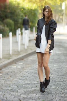 One of my favourite outfits with one of my favourite leather jackets from Pepe Jeans London - the Croc Coat! Combined with a white dress with lace details and boots.  More on whaelse.com http://www.whaelse.com/krokomantel/