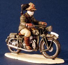 WW 044 ITALIAN BERSAGLIERE + GILERA MOTORBIKE