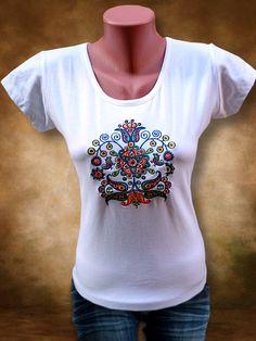 Szervető - Hímzett női  póló Sárközi mintával - fehér