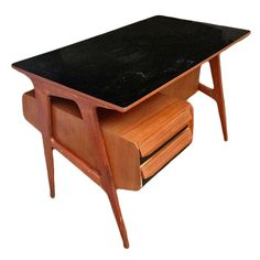 Shop desks and writing tables and other modern, antique and vintage tables from the world's best furniture dealers. Table Furniture, Furniture Design, Magazine Table, Mid Century Modern Table, Desk Plans, Modern Desk, Smart Design, Writing Desk, Ping Pong Table