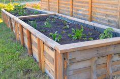 Wooden Pallet Craft: How to Make a Garden Grow Box via momitforward.com