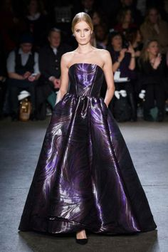 The most outrageously gorgeous gowns from NYFW 2014: Christian Siriano