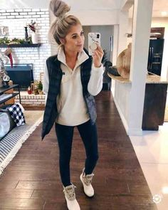 99 Fabulous Fall Outfits Ideas To Wear Everyday Outfits 2019 Outfits casual Outfits for moms Outfits for school Outfits for teen girls Outfits for work Outfits with hats Outfits women Winter Outfits Women 20s, Winter Outfits For Teen Girls, Winter Outfits For Work, Casual Winter Outfits, Casual Fall Outfits, Trendy Outfits, Vest Outfits For Women, Casual Fall Fashion, Cold Weather Outfits For School