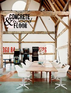 Méchant Design: concrete and wood floor
