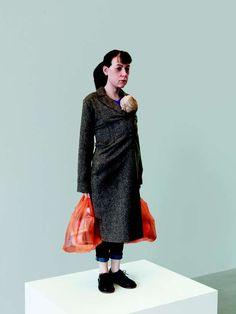 Ron Mueck Pregnant Woman | Peças hiper-realistas de Ron Mueck chegam a São Paulo