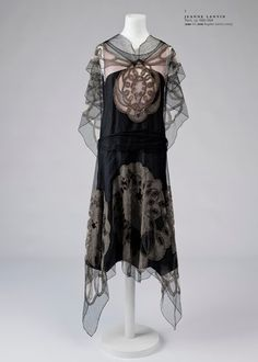 Chiffon Evening Dress, ca. 1924 Jeanne Lanvinvia Museo del Traje