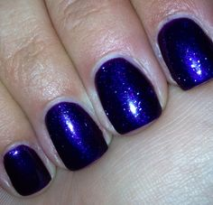 Gelish - 3 coats Diva, with 1 coat of Izzy Wizzy, Let's Get Busy. Beautiful!  I love how it turned out!!