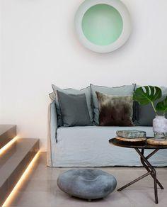 stairs with light! plus beautiful colors. Nordic Furniture, Wicker Furniture, Home Furniture, Furniture Design, Mediterranean Bedroom, Mediterranean Design, Comfort Zone, Interior Inspiration, Living Spaces
