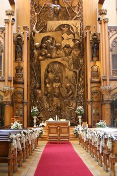 10 Inspirações de decoração de igreja para casamento Baby Shower, Dyi, Home Decor, Wedding Ideas, Anime Wedding, Wedding Boutonniere, Decorating Tips, Flower Arrangements, Chandeliers