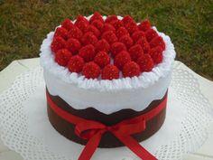 Felt food. Felt cake. Christmas cake.Strawberries by MoCactus