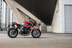 Triumph New Speed Triple 2016
