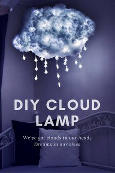 Mit diesem DIY bringt ihr ein Stück Himmel in euer Schlafzimmer! (Und das für unter 70€!! Das Original kostet über 1.000€ :D) Wer Lust zum Nachbasteln hat, findet die komplette Anleitung bei uns auf dem Blog.