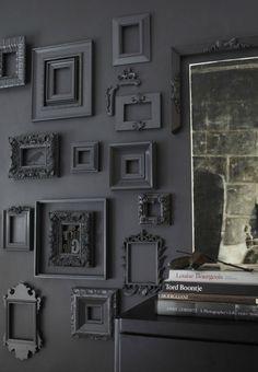 lege-fotolijsten-muur-geverfd